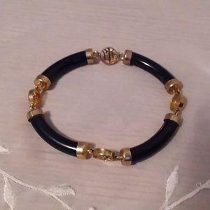 Chinese Bracelet Gold Tone Links and Black Onyx
